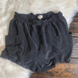 """Wilfred 12"""" rise charcoal silk short M"""